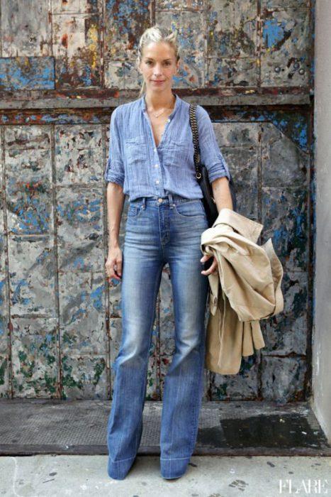 camisa de denim con jeans mujer