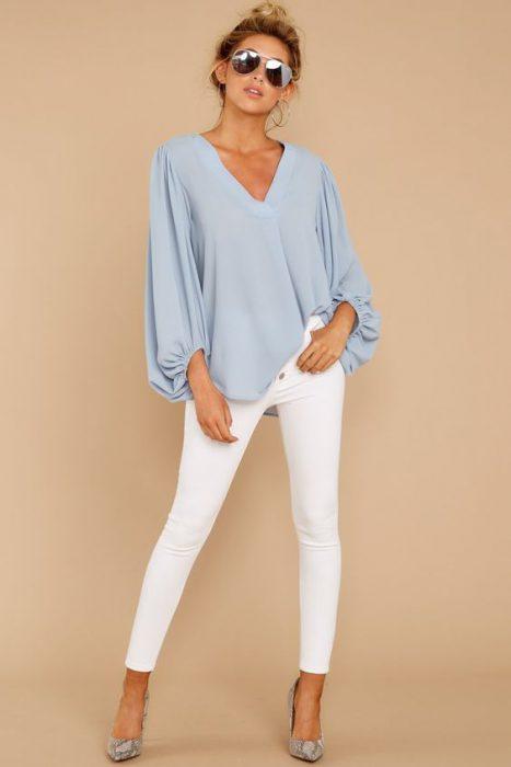 camisola y jeans blanco verano