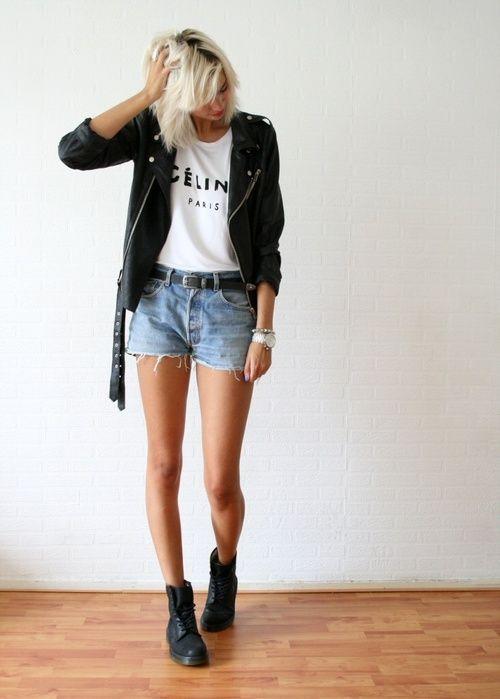 campera de cuero y short de jeans
