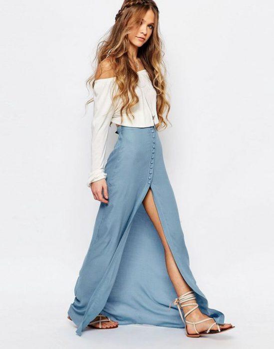 falda larga de denim liviano abotonada
