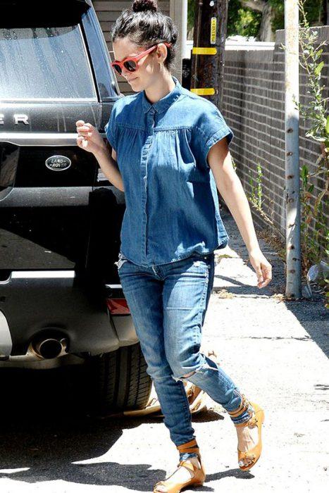 look informal en jeans camisa mangas cortas