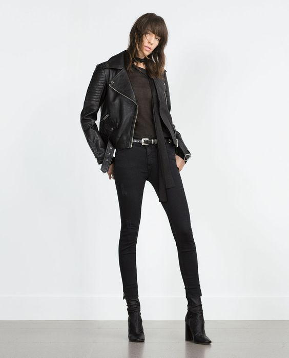 look negro con campera de cuero negra para mujer