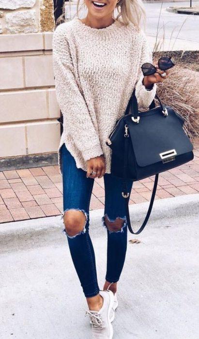 sueter grande con jeans pitillos