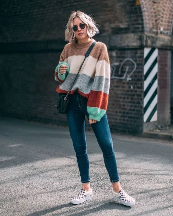 sweater a rayas con jeans skinny