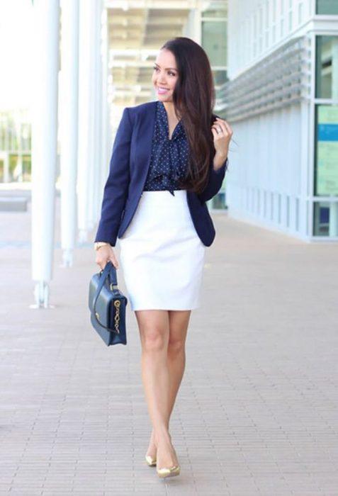falda tubo blanca look ejecutivo