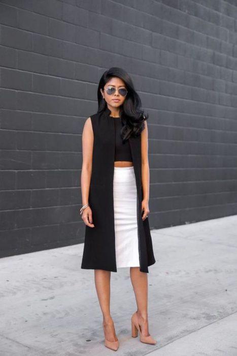 look con falda tubo blanca para el verano