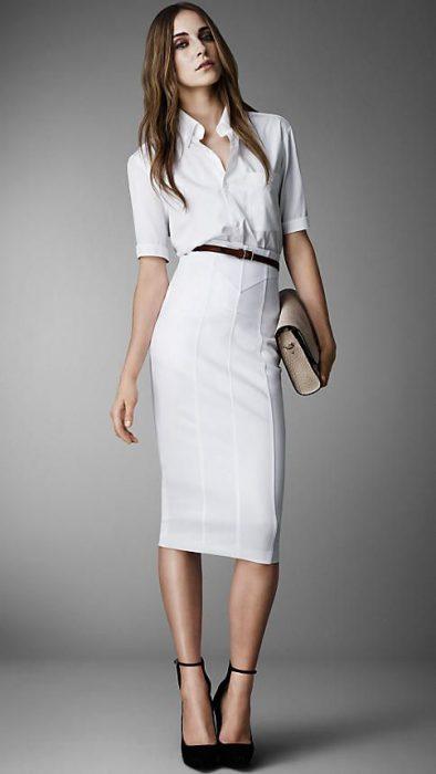 look elegante y formal con falda blanca lapiz