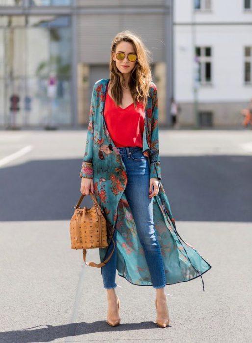 look urbano con kimono