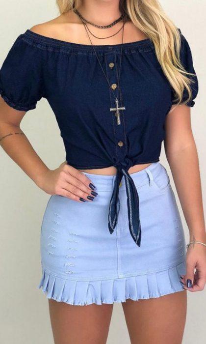 minifalda de jeans con volados