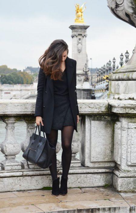 blazer largo con minifalda
