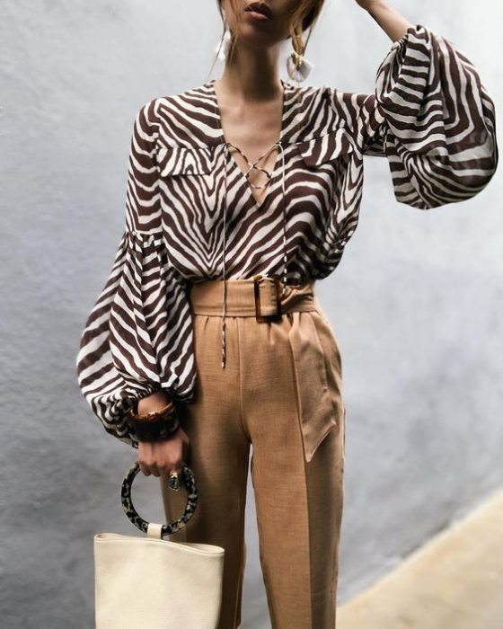 blusa de gasa estampada en cebra