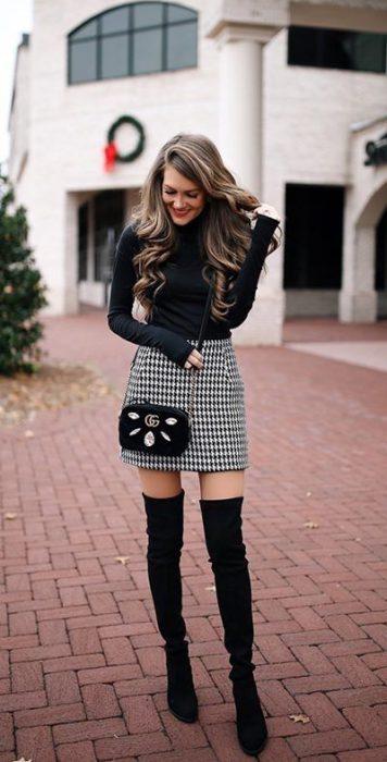 look con botas de caña alta para el dia invierno