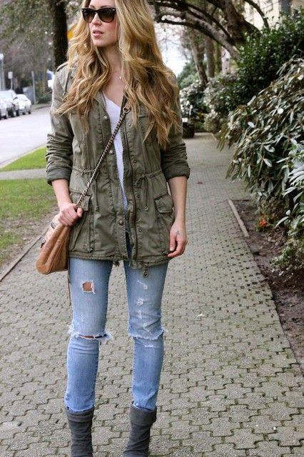 look urbano jeans y parka militar