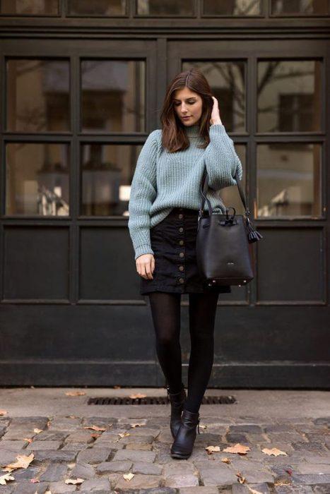 look urbano minifalda buzo invierno