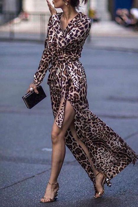 vestido sensual animal print estilo bata