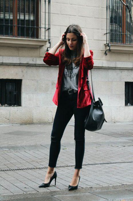 blazer rojo de terciopelo