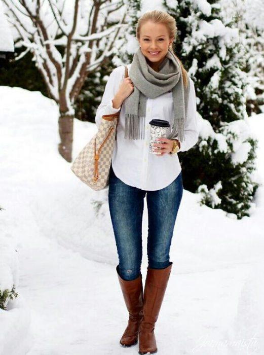 botas altas con jeans casual invierno