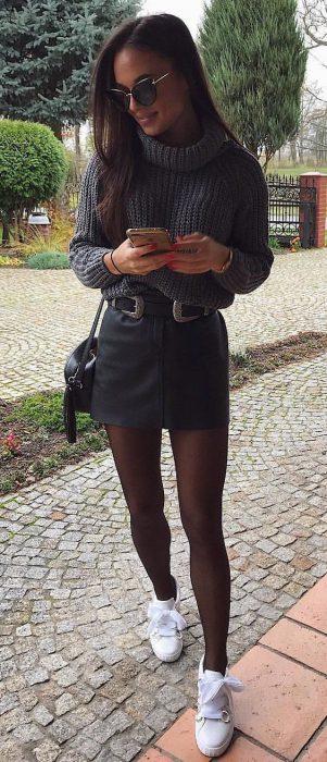 look noche con polera tejida y minifalda