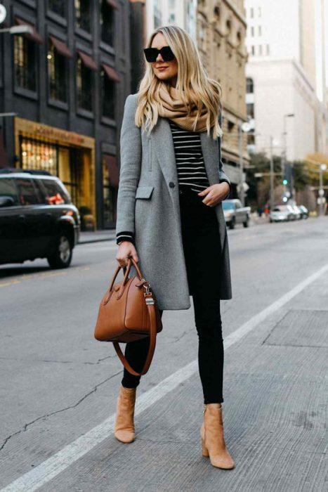 outfit para una entreviesta en invierno