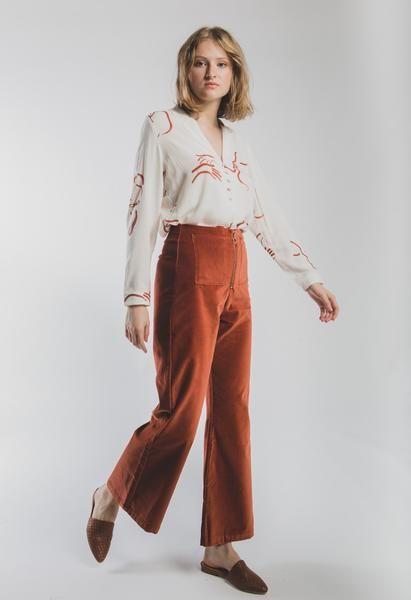 outfit urbano con pantalon de terciopelo