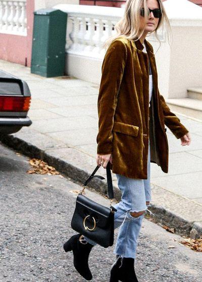 saco de terciopelo para un look informal