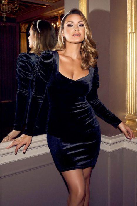 vestido de terciopelo azul corto