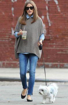ourtfit informal con capa tejida y jeans