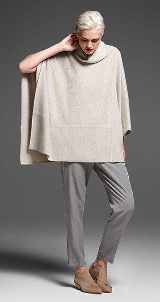 ponchos tejidos con pantalones de vestir