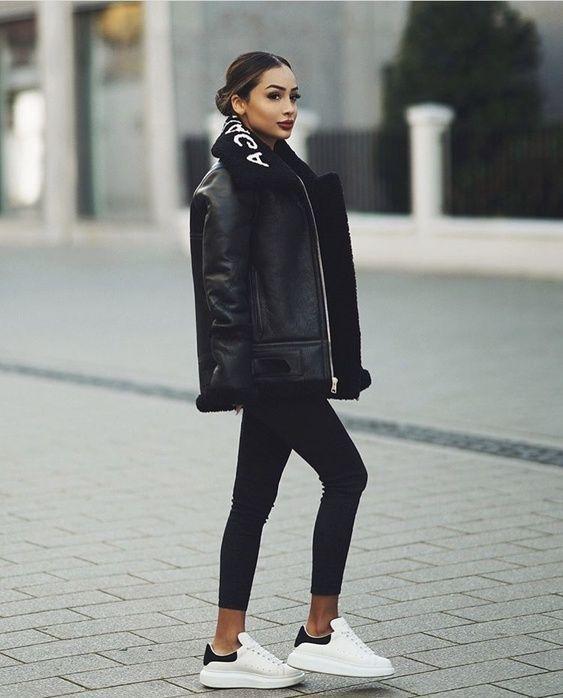 Outfits de invierno para mujer con estilo informal campera de cuero abrigada