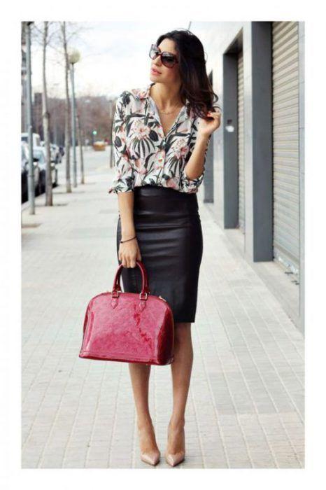 falda tubo negra con camisa