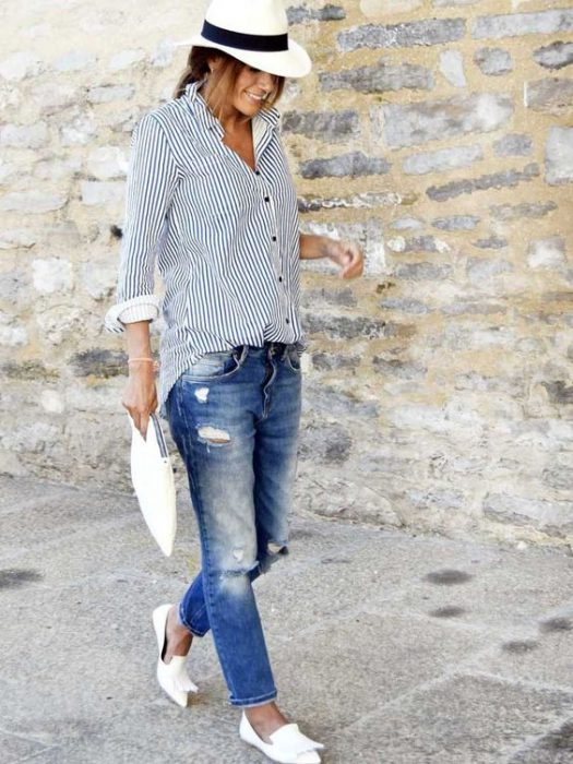 jeans boyfriends y camisa a rayas