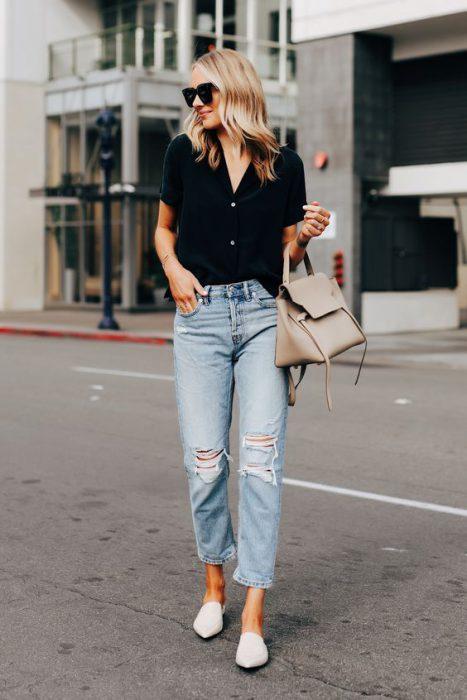 jeans boyfriends y camisa negra