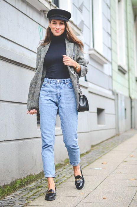 jeans boyfriends y mocasines