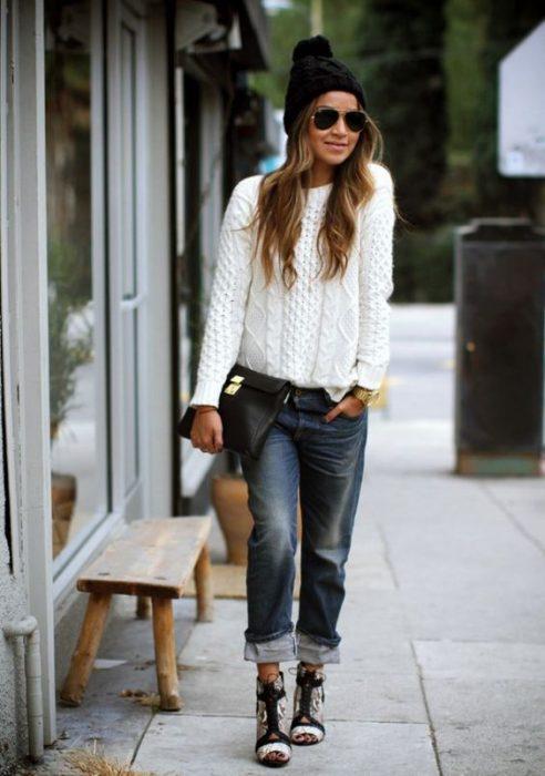 jeans boyfriends y sweater de lana