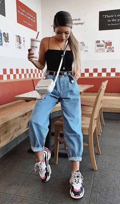 jeans boyfriends y top