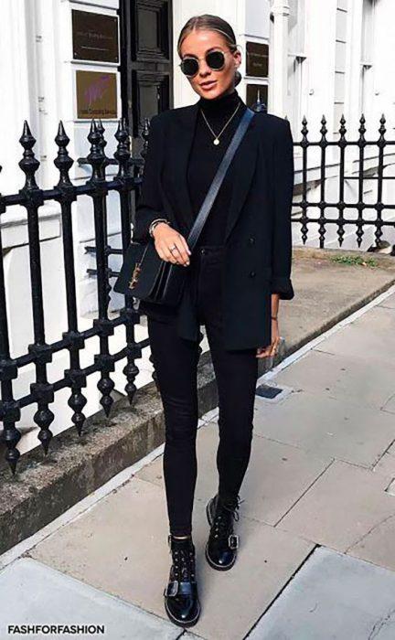 jeans tiro alto negro