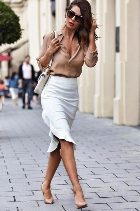 look formal con falda blanca