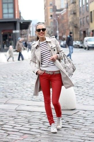 look informal con jeans rojos