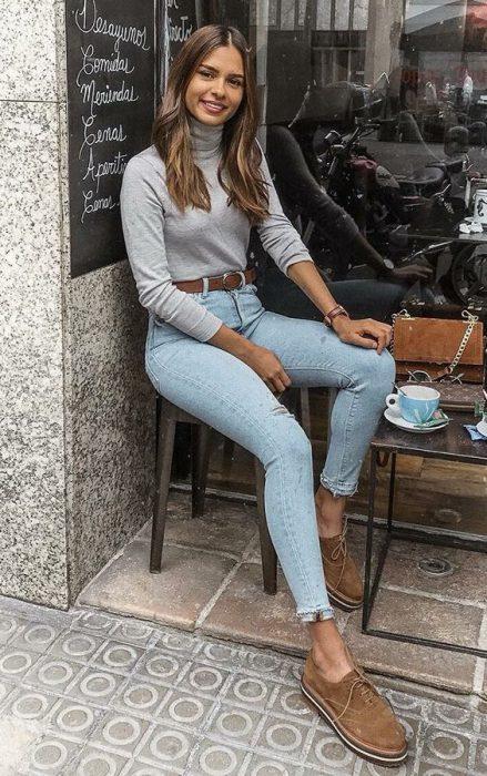 remera polera y jeans