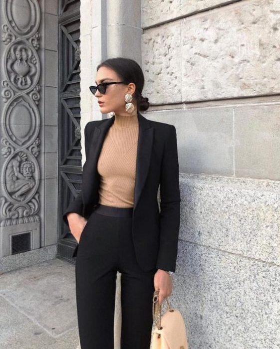 traje con polera mujer