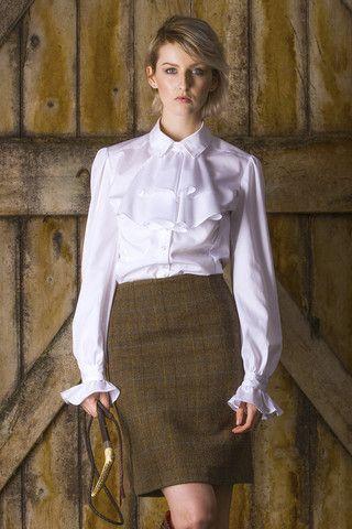 camisa blanc con falda