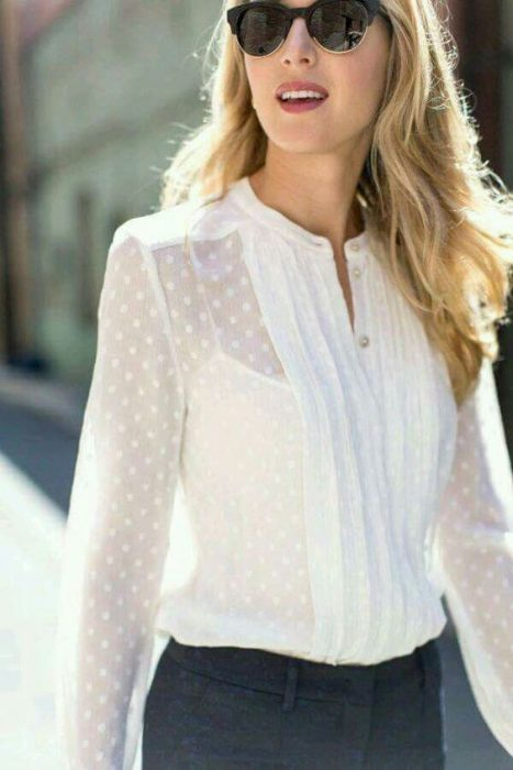 camisa blanca con transparencias