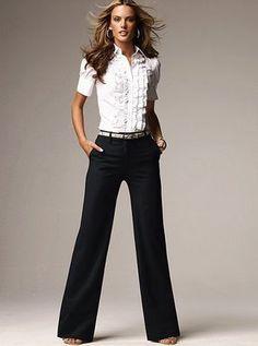 camisa blanca mangas cortas y pantalon