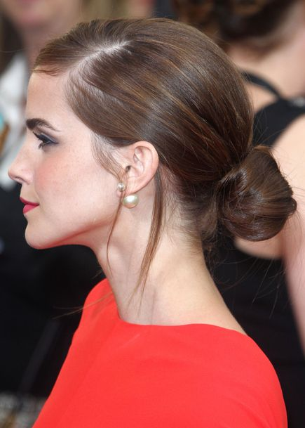 peinado juvenil con rodete elegante