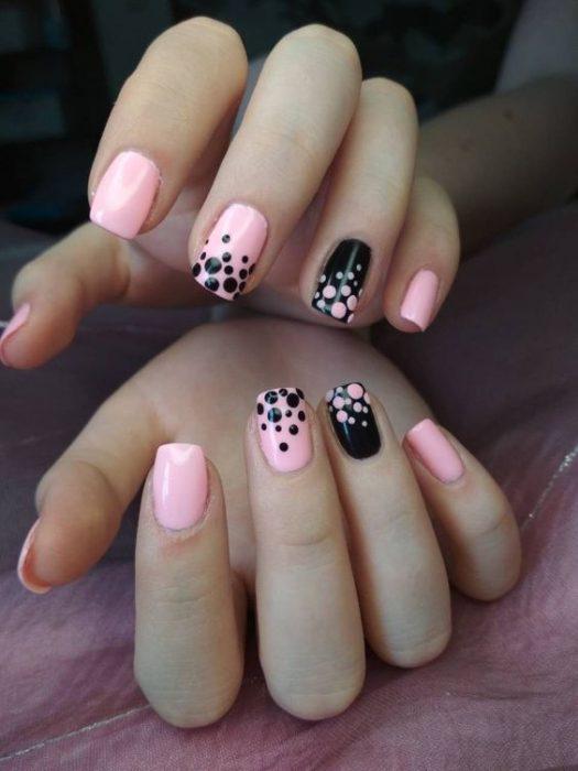 uñas con circulos