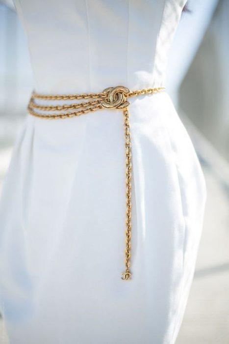 cinto cadena elegante