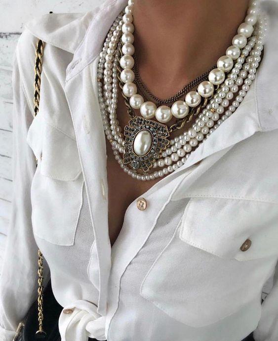 collares con perlas de moda