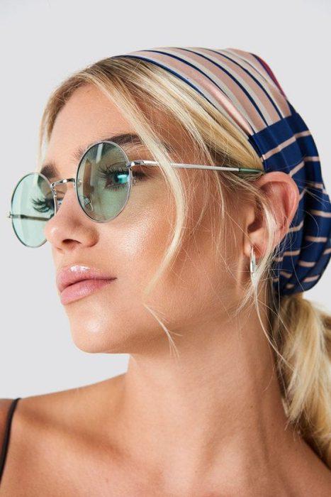 gafas con lentes verdes