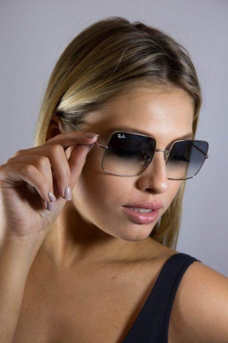 gafas negras en degrade