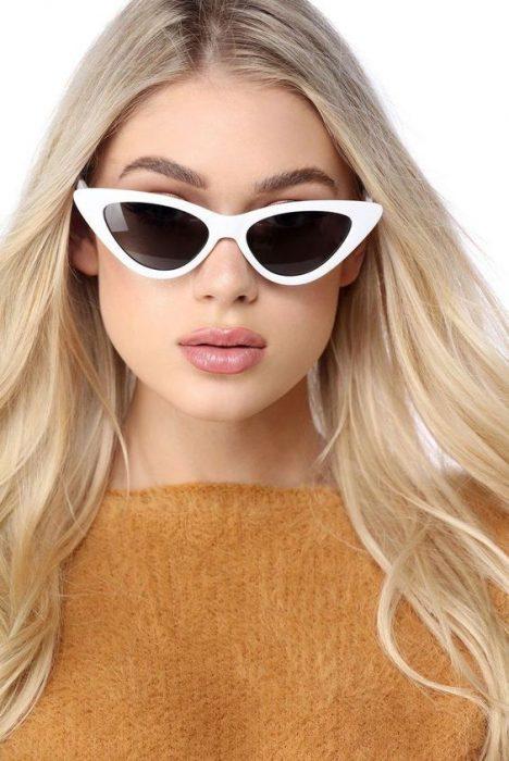 lentes con marco blanco